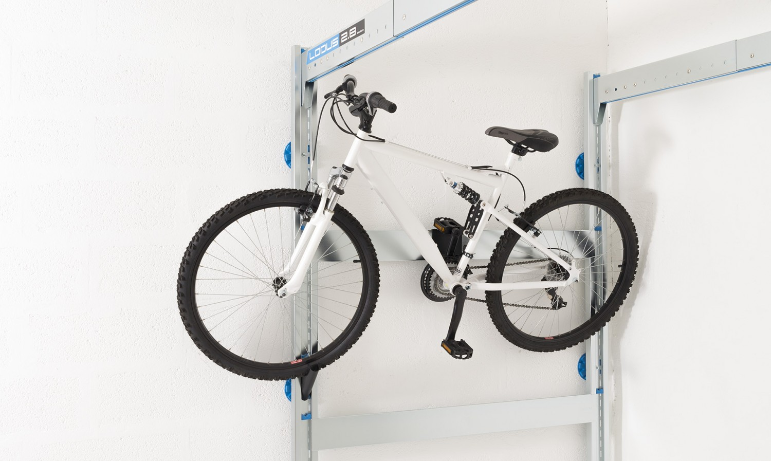 Porte v lo simple pour rangement de garage lodus ref 51030 - Accrocher velo garage ...
