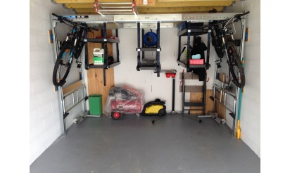 Support v lo pour le garage support v lo plafond pour faciliter le rangemen - Accrocher velo garage ...